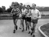 Eric Beard on his 56 peaks record run, 1963 - Eric Beard, Des Oliver, Stan Bradshaw, Alan Heaton, Ken Heaton.  Photo: Fred Rogerson